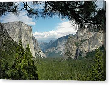 Canvas Print featuring the photograph Yosemite's Tunnel View by Geraldine Alexander