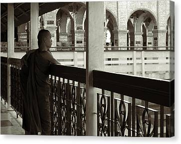 Young Monks In Mandalay Hill Canvas Print by RicardMN Photography