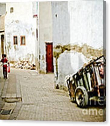 Tunisian Girl Canvas Print by John Wadleigh