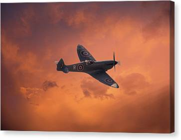 Dusk Sweep Canvas Print by Dave Godden