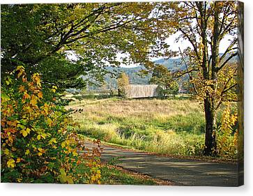 Fall At Grays River Covered Bridge Canvas Print