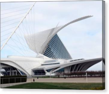 Canvas Print featuring the photograph  Milwaukee Art Museum by Kay Novy