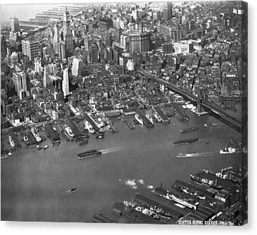 Aerial View Of Lower Manhattan Canvas Print by Underwood Archives