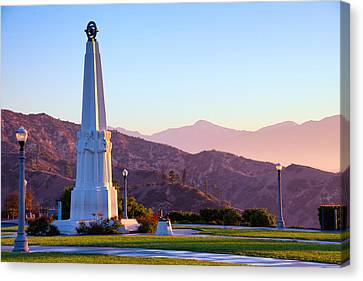 Astronomers Monument In Griffith Park Canvas Print by Celso Diniz