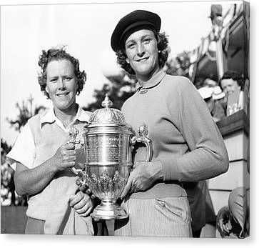 Patty Berg And Babe Didrikson Canvas Print by Underwood Archives