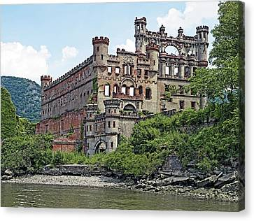 Bannerman Castle On Pollepel Island In The Hudson River New York Canvas Print by Brendan Reals