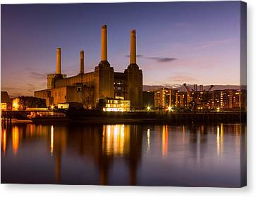 Battersea Power Station Canvas Print by Ian Hufton