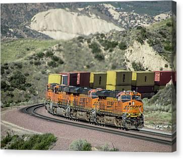 Bnsf # 7818 At Cajon Pass Canvas Print by Randy Dyer