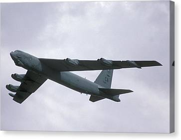 Boeing B-52g Stratofortress 59-2565 93rd Bomb Wing Castle Afb September 17 1992 Canvas Print