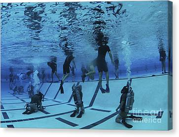 Buds Students Participate In Underwater Canvas Print by Stocktrek Images
