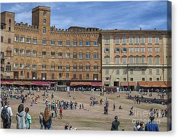 Campo Square In Siena, Italy Canvas Print