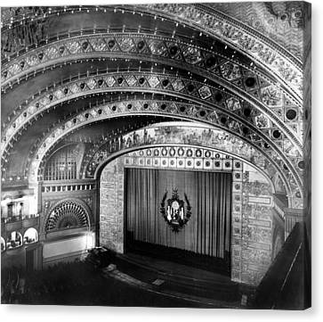 Chicago. The Chicago Auditorium Canvas Print by Everett