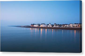 Deal Seafront Canvas Print by Ian Hufton