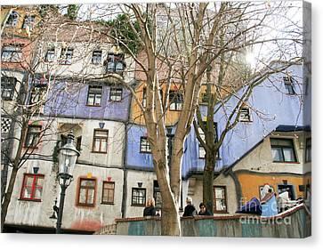 Facade Of The Hundertwasserhaus, Vienna, Austria Canvas Print