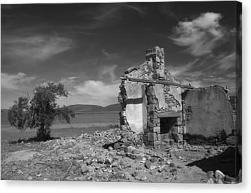Farmhouse Cottage Ruin Flinders Ranges South Australia Canvas Print by Ralph A  Ledergerber-Photography