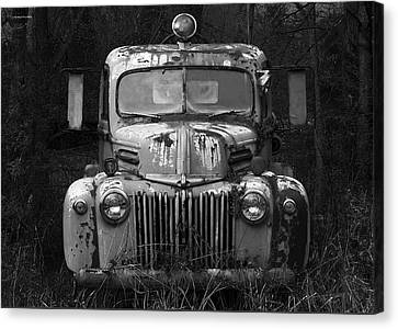 Fire Truck Canvas Print by Ron Jones