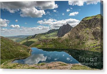 Glaslyn Lake Canvas Print