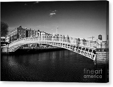 Halfpenny Bridge Canvas Print - halfpenny bridge over the river liffey Dublin Republic of Ireland by Joe Fox