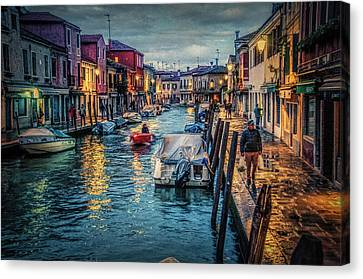 Heading For Home. Canvas Print by Brian Tarr