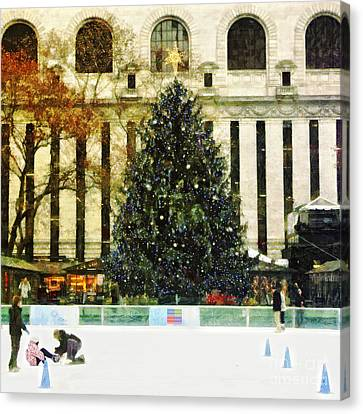 Ice Skating During The Holiday Season Canvas Print by Nishanth Gopinathan