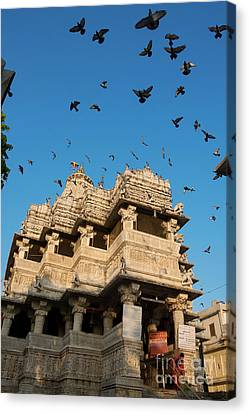 Canvas Print featuring the photograph Jagdish Temple by Yew Kwang