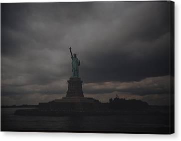 Lady Liberty Canvas Print by Rob Hans