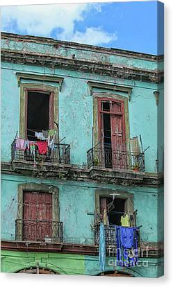 Canvas Print - Laundry Hanging From Old Houses In Cuba by Patricia Hofmeester