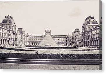 Le Louvre Canvas Print by Saint Cloud