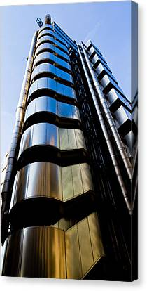 Lloyds Of London  Canvas Print by David Pyatt