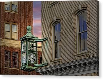 1 Main Street Clock Canvas Print by Susan Candelario