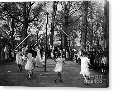 Maypole Dance, 1924 Canvas Print by Science Source