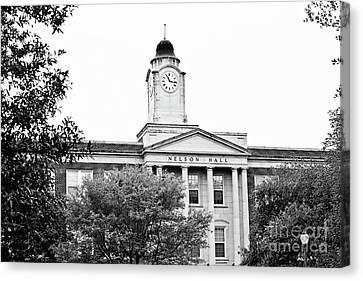 Mississippi College - Nelson Hall Closeup Bw Canvas Print