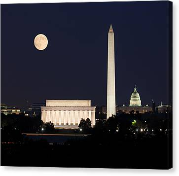 Moon Rising In Washington Dc Canvas Print