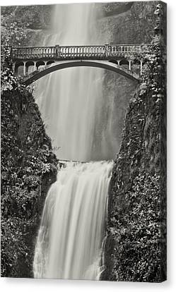 Multnomah Falls Upclose Canvas Print by Don Schwartz