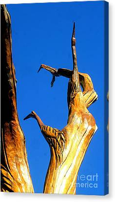 New Orleans Bird Tree Sculpture In Louisiana Canvas Print by Michael Hoard