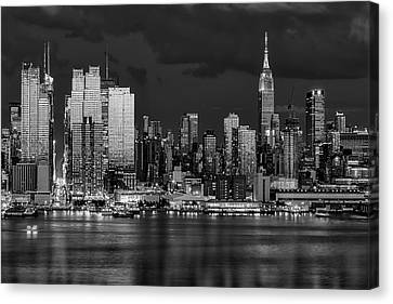 Canvas Print featuring the photograph New York City Skyline Pride Bw by Susan Candelario