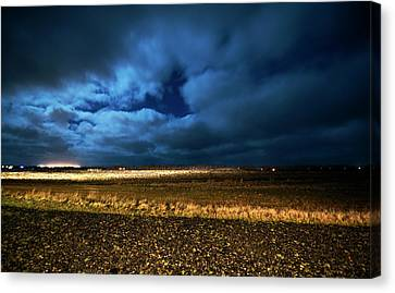 Canvas Print featuring the photograph Icelandic Night  by Dubi Roman