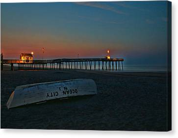 Ocean City  N J Sunrise Canvas Print by Allen Beatty