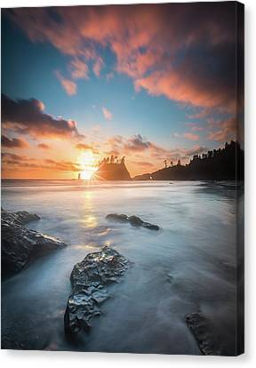 Canvas Print featuring the photograph Pacific Sunset At Olympic National Park by William Lee