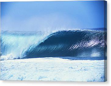 Perfect Wave At Pipeline Canvas Print