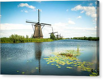 Canvas Print featuring the photograph Picturesque Kinderdijk by Hannes Cmarits