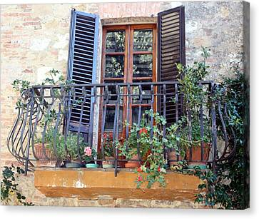 Canvas Print featuring the photograph Pienza Balcony by Pat Purdy