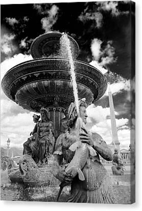 Canvas Print featuring the photograph Place De La Concorde Fountain by Heidi Hermes
