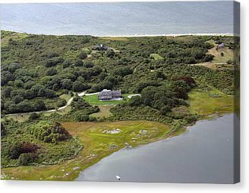 Quaise Pasture Road Nantucket Island 2 Canvas Print by Duncan Pearson