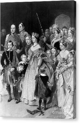 Queen Victoria With Members Of Royal Canvas Print by Science Source