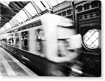 Bahn Canvas Print - S-bahn Berlin by Falko Follert