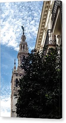 Sevilla - La Giralda Canvas Print by Andrea Mazzocchetti