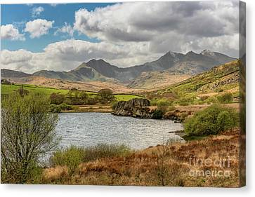 Canvas Print featuring the photograph Snowdon Horseshoe by Adrian Evans