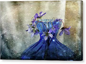 Spring Greeting Canvas Print by Randi Grace Nilsberg