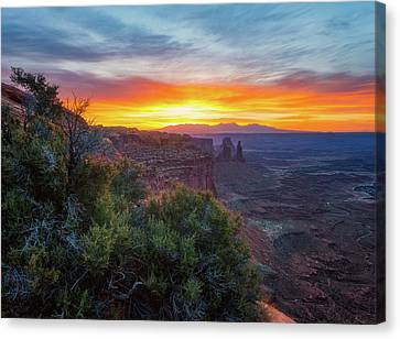 Canvas Print featuring the photograph Sunrise Over Canyonlands by Darren White